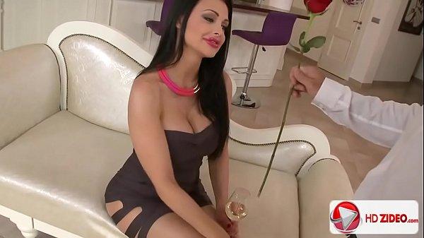 Videos pornos hd, me follo a esta zorra que me trae ganas desde hace algo de tiempo en la sala!